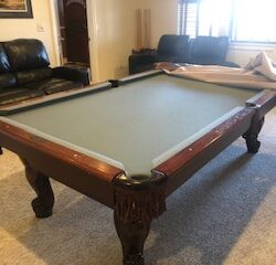 AMF Playmaster 8' table in good condition.